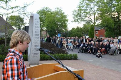 Arie van Veen monument 2