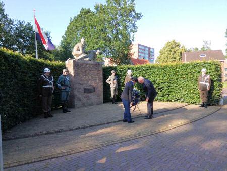 Herdenking korps pol. troepen